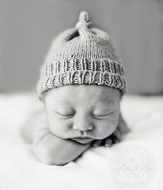 aww-baby-beanie-black-and-white-cute-Favim.com-114850